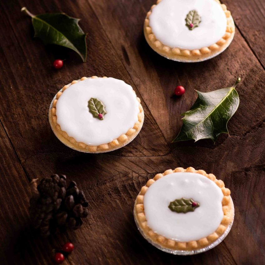 Box of 6 Iced Mince Tarts